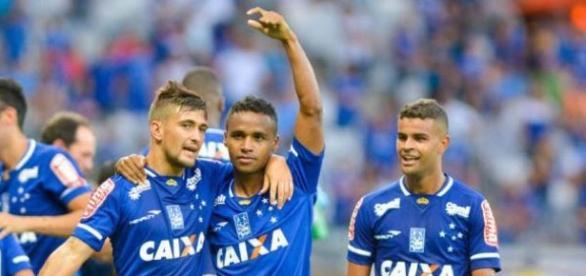 Cruzeiro garante primeiro lugar no campeonato mineiro