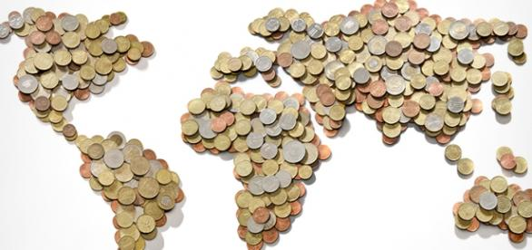 Harta lumii realizată din monede
