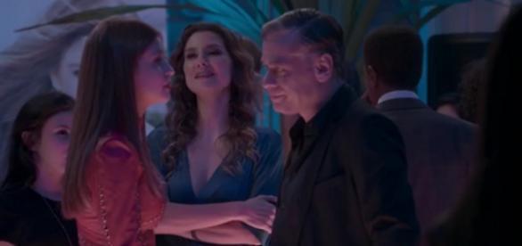 Arthur provoca Eliza em 'Totalmente Demais' (Gshow)