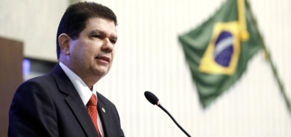 Secretário quer empréstimo de R$ 1,2 bilhões