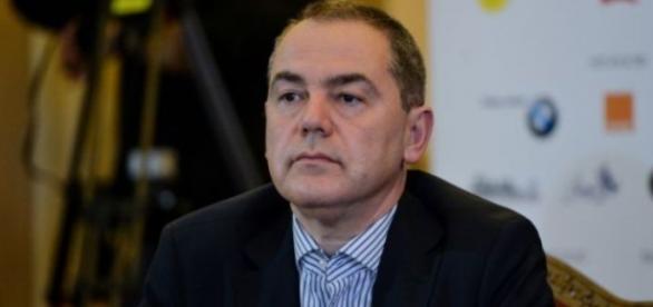 Vlad Alexandrescu dat afară din Guvern de Cioloș