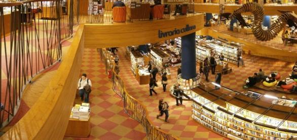 Cinco autores nacionais estão entre os 10 mais vendidos de março