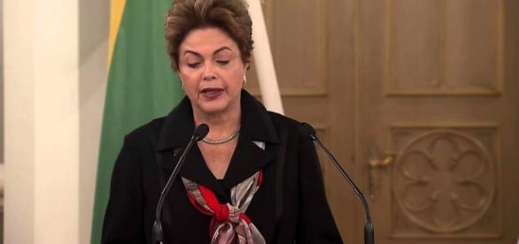 Dilma entrará com pedido de direito de resposta