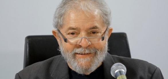 Lula é suspeito de tráfico de influência em favor da Braskem