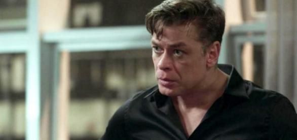 Arthur acredita que Eliza a traiu