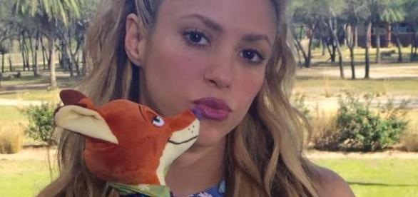 Shakira é a cantora Gazella em Zootopia (Foto: Reprodução/Facebook)
