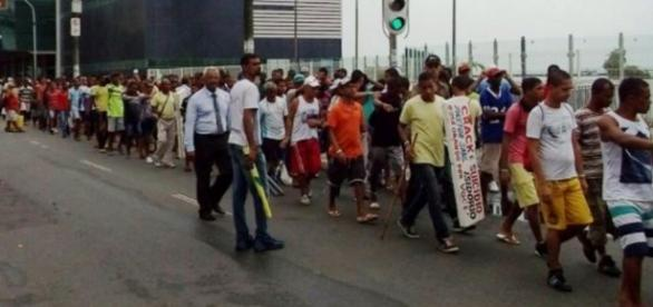 Internos fazem protestos a favor de Dilma