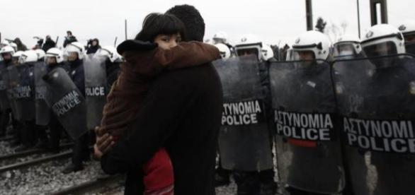 La Policía controla custodia las fronteras y controla a los regí fiados