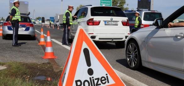 O bandă de infractori acționează la granițe