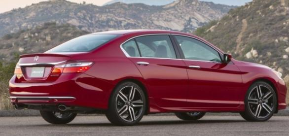 The 2016 Honda Accord (Sport) has been restyled.