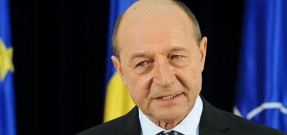 I-au spart calculatorul lui Băsescu