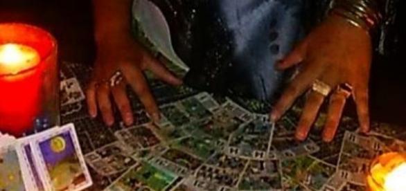Vrăjitoare din Ploiești cercetate de polițiști