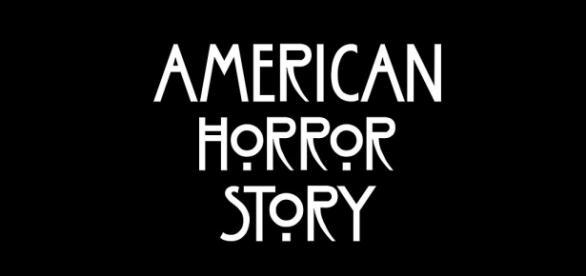 Ryan Murphy promete continuar conectando as temporadas de American Horror Story e espera que a série continue no ar por décadas e décadas.