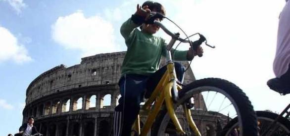 Stop al traffico a Roma: auto ferme il 10 aprile 2016