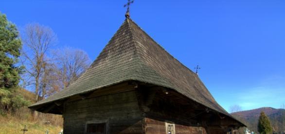 Biserica din lemn este un simbol al ortodoxiei