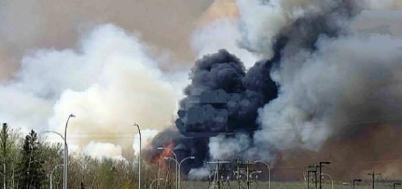 El pronostico climático favorece el control del incendio en Alberta Euronews