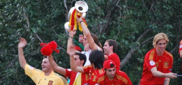 España se presenta a la Eurocopa después de su gran chasco en el Mundial