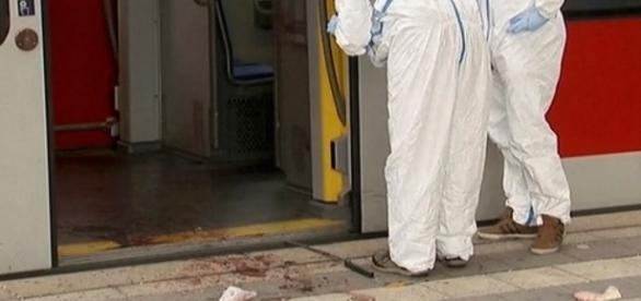 Ataque em estação de trem matou uma pessoa e deixou três feridas (créditos: G1)