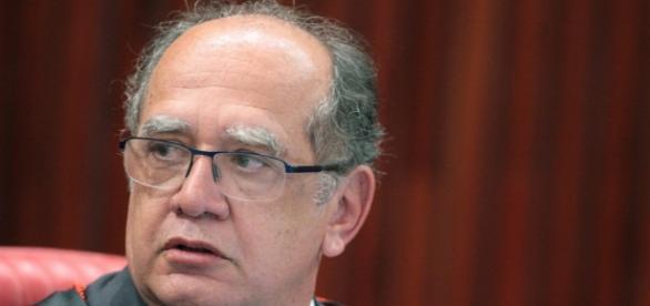 Ministro do STF, Gilmar Mendes, afirma que tentativa de presidente da Câmara de anular impeachment é 'circence'.