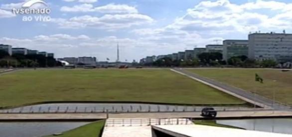 Diferente da votação na Câmara, Esplanada ficou deserta durante o dia