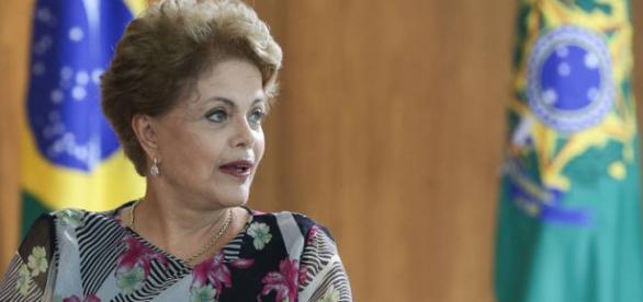 Dilma Rousseff primeira presidente afastada do Brasil