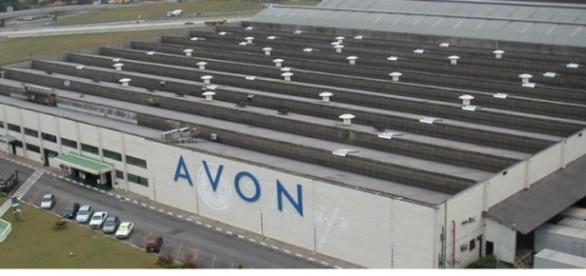 Avon contratando, são várias vagas para diversos Estados brasileiros/ Imagem: Uma das sedes da Avon