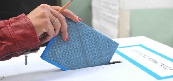 Intenzioni di voto alle comunali di Roma, Napoli e Milano.
