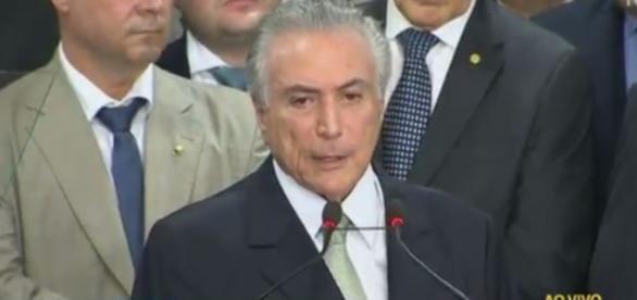Michel Temer se pronunciou oficialmente após afastamento de Dilma