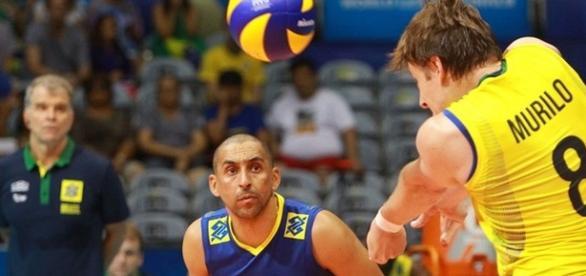 As feras do voleibol sob o comando de Bernandinho, na despedida.