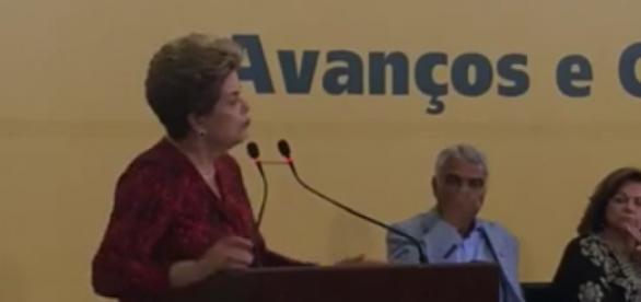 Dilma Rousseff foi afastada por até 180 dias