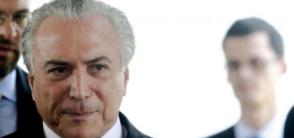 Michel Temer assume o poder máximo do Poder Executivo brasileiro