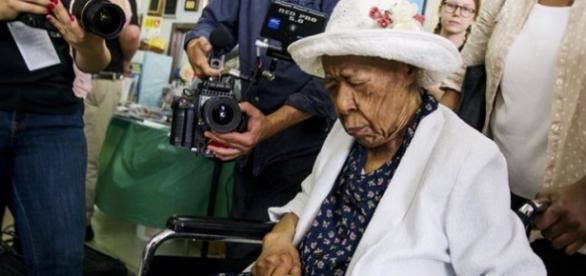 Susannah Mushatt Jones, en su 116 cumpleaños, en julio de 2015
