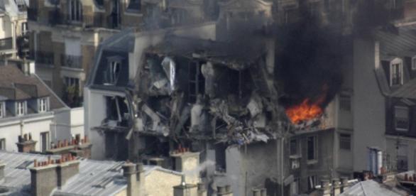 Uma forte explosão destruiu vários apartamentos