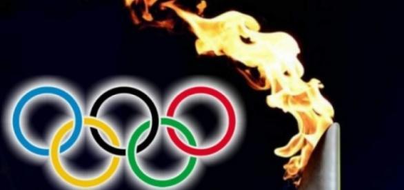A tocha olímpica passou por Contagem e atraiu milhares de pessoas.