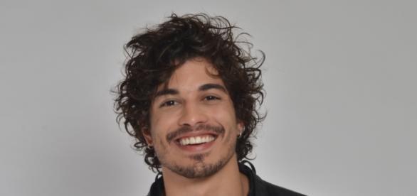 Douglas Sampaio é Rune em 'A Terra Prometida'