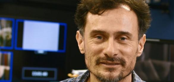 Enrique Diaz foi diretor de A Regra do Jogo