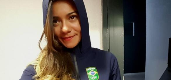 Brasileira mora e treina marcha atlética no Equador