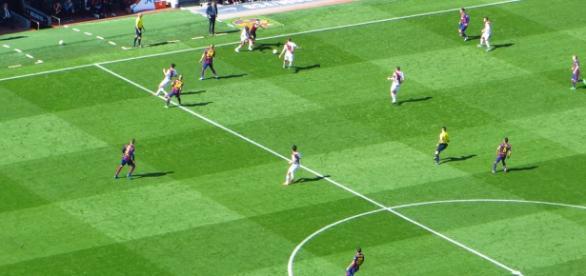 El Rayo Vallecano en un partido ante el F. C. Barcelona