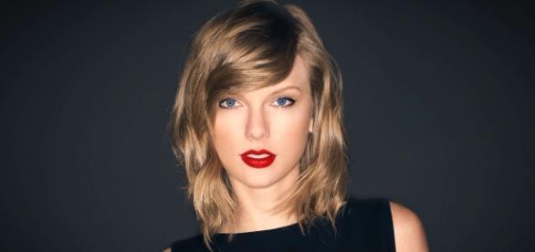 Namorado de Taylor Swift avisa que ela fará uma pausa na carreira.