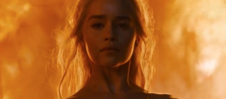 Emilia Clarke fala sobre cena de nudez de Daenerys em