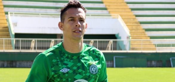Goleiro renovou com a Chapecoense