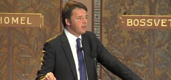 Il premier italiano Matteo Renzi risponde alle domande del pubblico