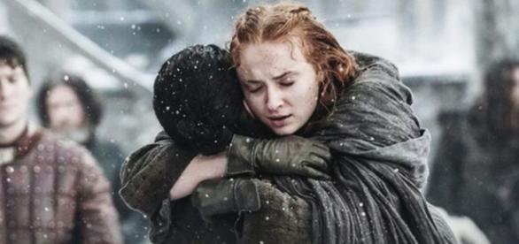 Os 'irmãos' Stark se reencontram em Castle Black (Foto: HBO)