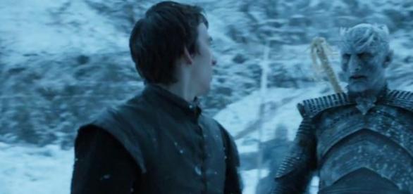 Bran é tocado pelo Rei da Noite.