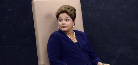 Dilma diz que farsa montada contra ela é um mau exemplo mundial