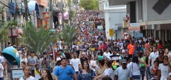 Evento da tocha lotou as ruas de Muriaé, em Minas Gerais