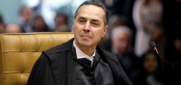 Luís Roberto Barroso é alvo de escuta no STF