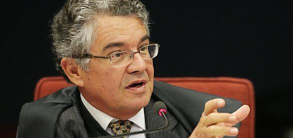 Ministro do STF libera pedido de impeachment de Michel Temer