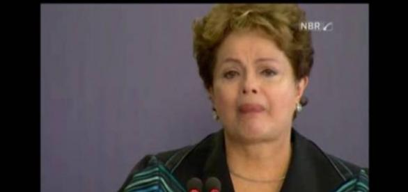 Dilma chora ao relembrar a ditadura militar. Imagem/Fonte: NBR