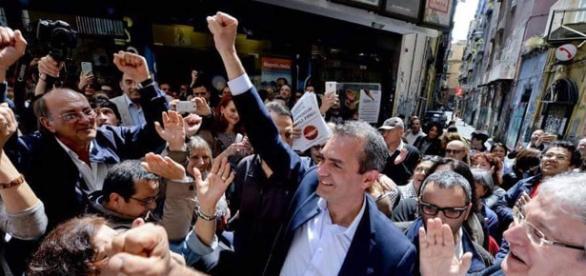 Il sindaco di Napoli, Luigi De Magistris (Fonte Fb)